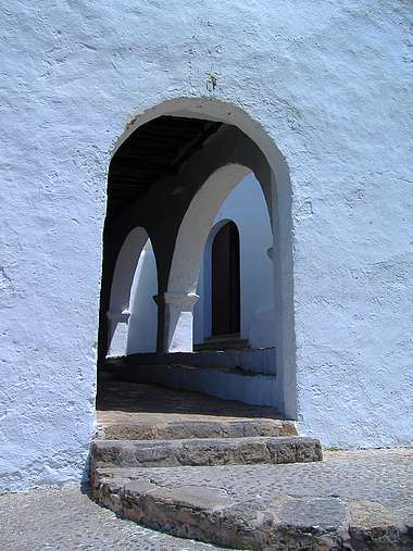 <strong><font size=4>*/ Puertas ...</strong></font>