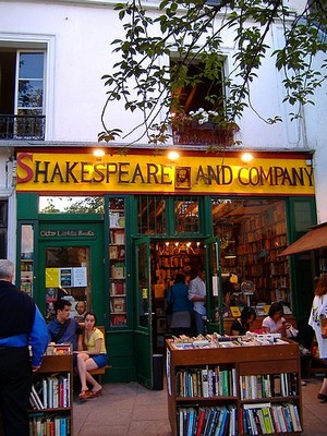 Shakespeare & Company - exterior