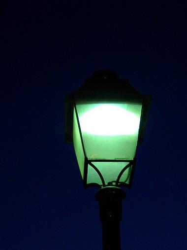 farola en la noche de Montmartre